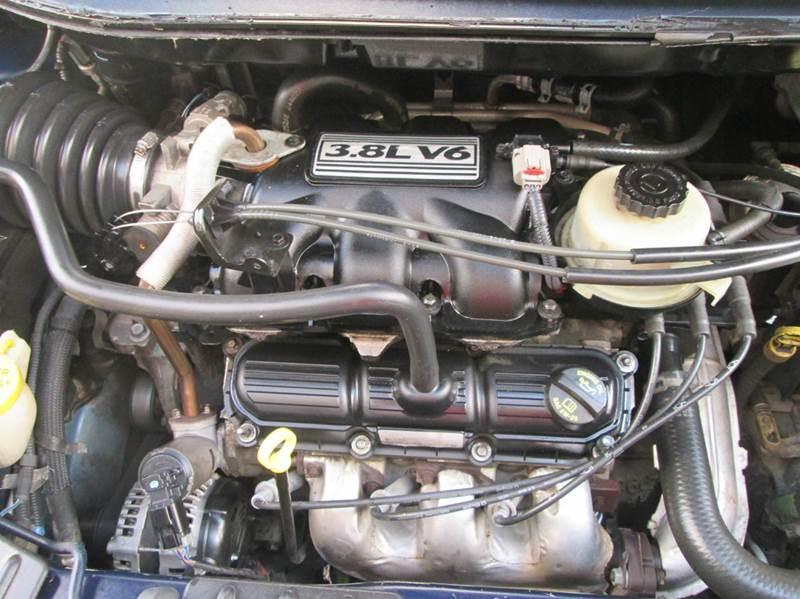 2006 Dodge Grand Caravan SXT 4dr Extended Mini-Van - Bryan TX