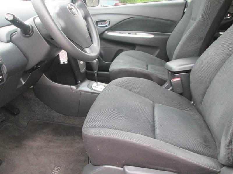 2010 Toyota Yaris Base 4dr Sedan 4A - Bryan TX