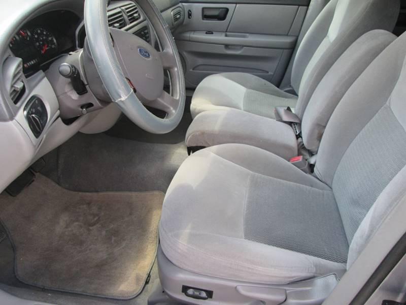 2006 Ford Taurus SE 4dr Sedan - Bryan TX
