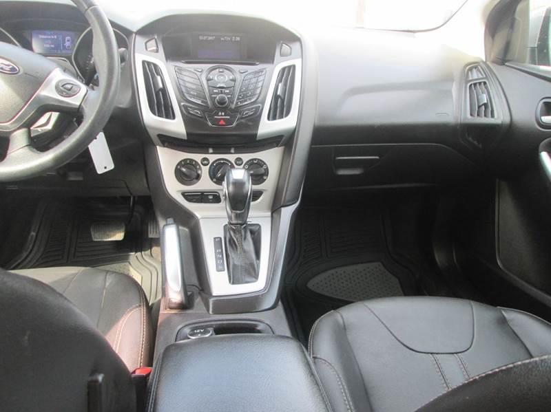 2013 Ford Focus SE 4dr Sedan - Bryan TX