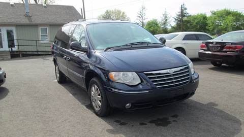 2006 Chrysler Town and Country for sale in Columbus, OH