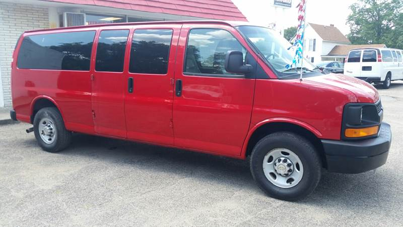 2010 Chevrolet Express Passenger LS 3500 3dr Extended Passenger Van - Albion IN