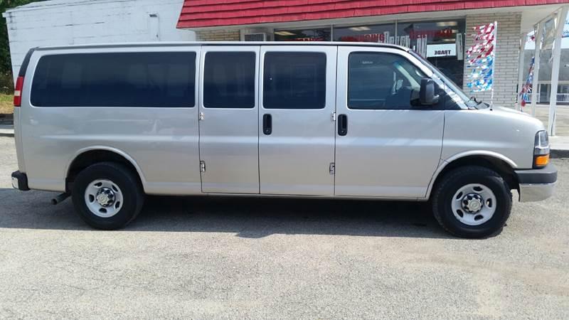 2009 Chevrolet Express Passenger LT 3500 3dr Extended Passenger Van - Albion IN