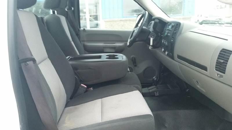 2009 Chevrolet Silverado 1500 4x4 Work Truck 2dr Regular Cab 8 ft. LB - Albion IN