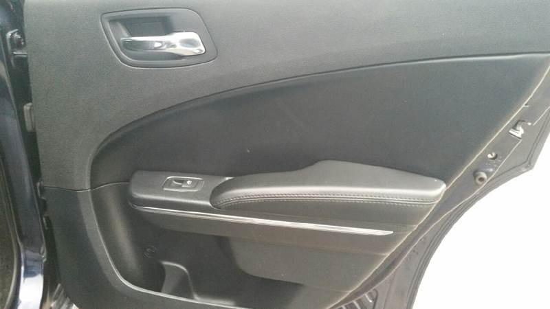 2012 Dodge Charger SXT 4dr Sedan - Albion IN