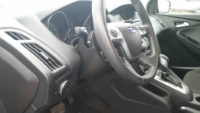 2014 Ford Focus SE 4dr Sedan - Albion IN