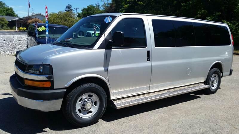 2011 Chevrolet Express Passenger LT 3500 3dr Extended Passenger Van w/ 1LT - Albion IN