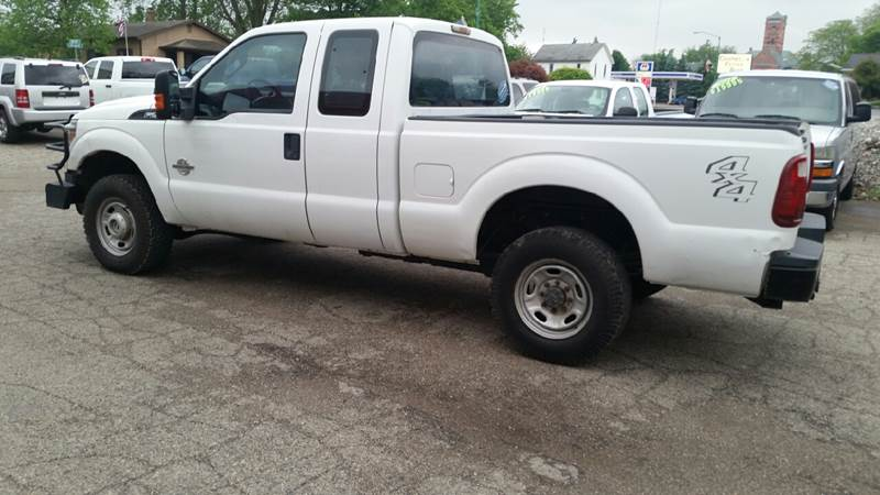 2011 Ford F-250 Super Duty 4x4 XL 4dr SuperCab 6.8 ft. SB Pickup - Albion IN