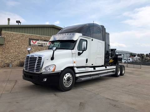 2010 Freightliner Cascadia for sale in Commerce City, CO