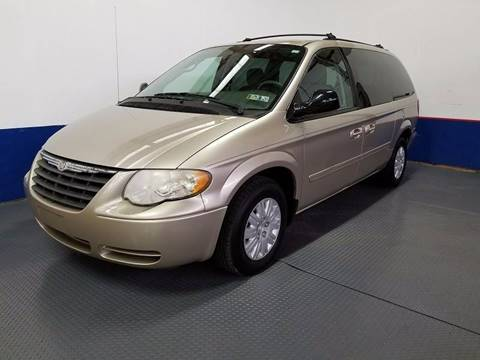 2005 Chrysler Town and Country for sale in West Chester, PA