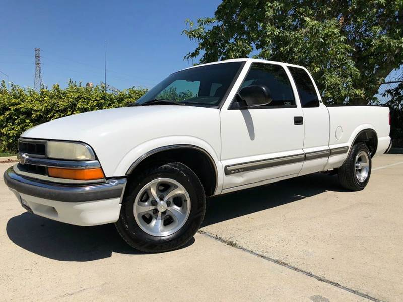 2000 Chevrolet S-10 for sale at Auto Hub, Inc. in Anaheim CA