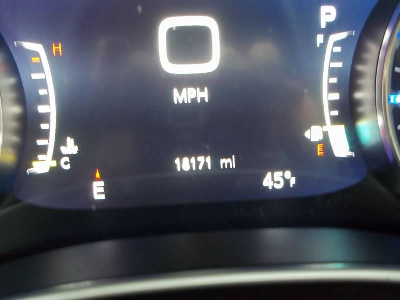 2017 Chrysler Pacifica Touring-L Plus 4dr Mini-Van - Gifford IL
