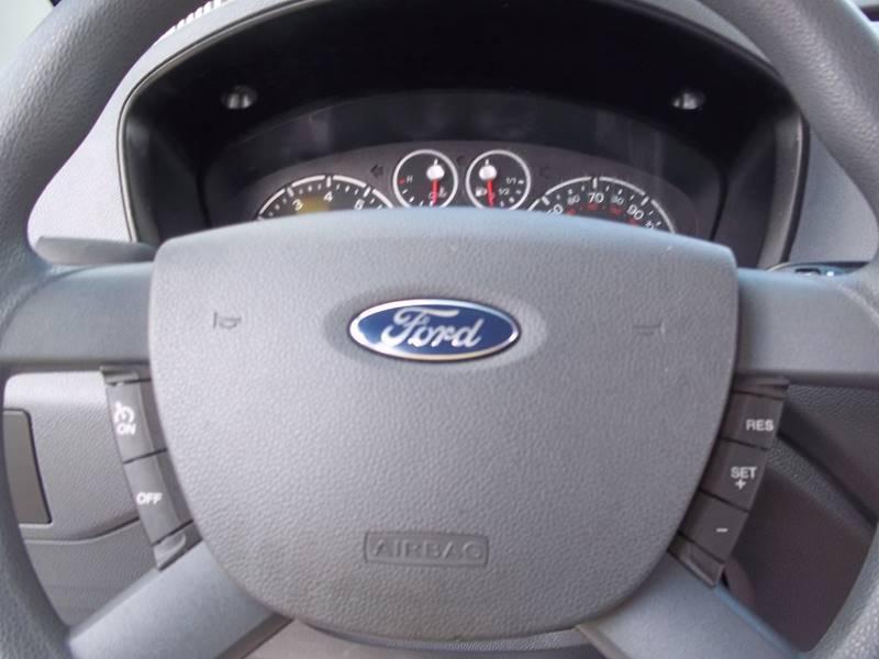 2010 Ford Transit Connect XLT 4dr Cargo Mini-Van w/Rear Glass - Gifford IL