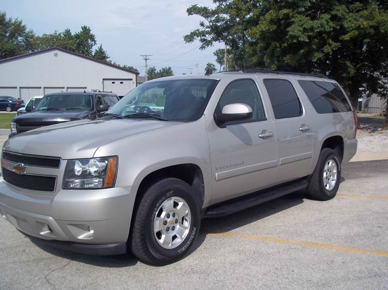 2009 Chevrolet Suburban for sale at Robin's Truck Sales in Gifford IL