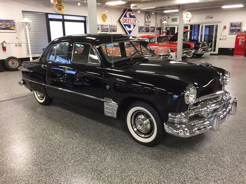 1951 Ford Super Deluxe