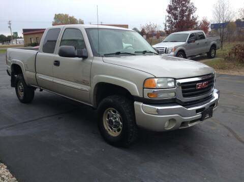 2004 GMC Sierra 2500HD for sale at Bruns & Sons Auto in Plover WI