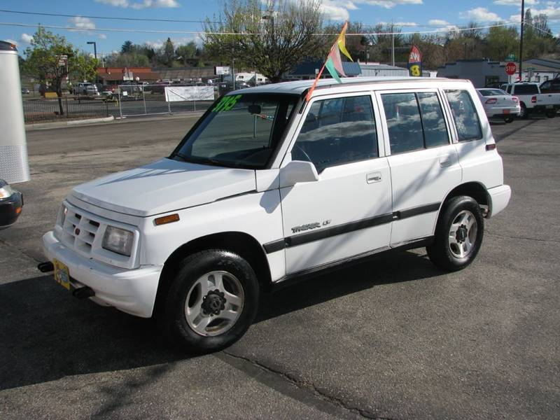 1997 Geo Tracker  for sale VIN: 2CNBJ1361V6915140