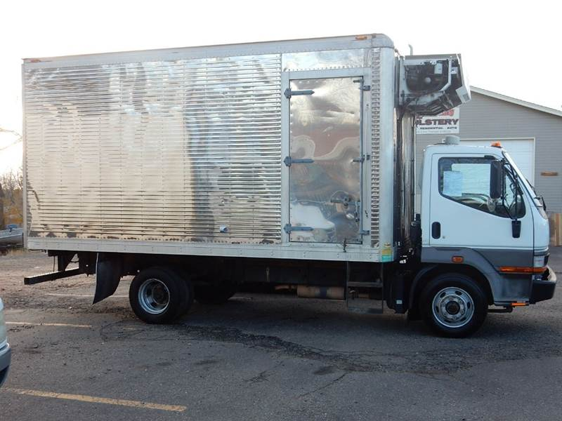 2004 Mitsubishi Truck  - Thornton CO