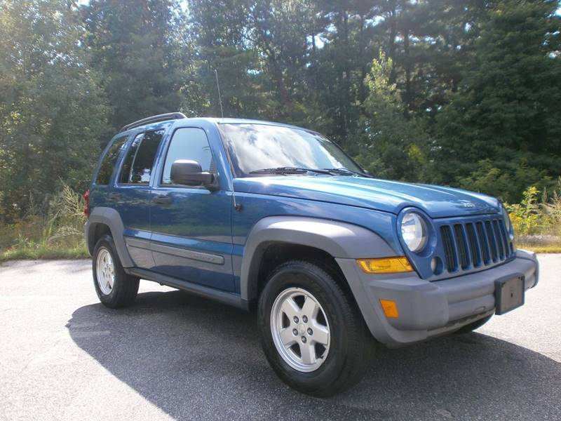 2005 Jeep Liberty for sale at Leavitt Brothers Auto in Hooksett NH
