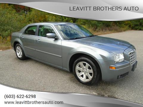 2006 Chrysler 300 for sale at Leavitt Brothers Auto in Hooksett NH