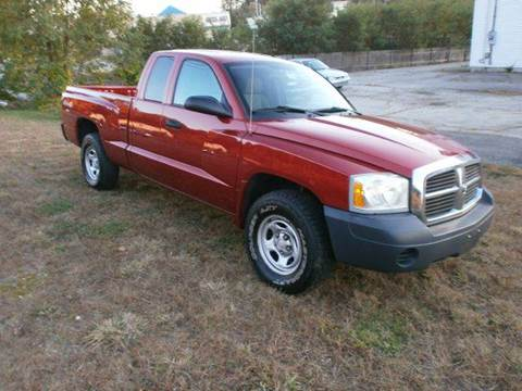 2007 Dodge Dakota for sale at Leavitt Brothers Auto in Hooksett NH