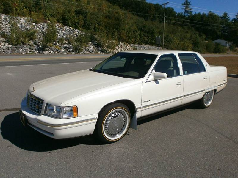 1997 Cadillac DeVille for sale at Leavitt Brothers Auto in Hooksett NH