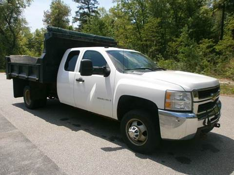 2009 Chevrolet Silverado 3500HD CC for sale at Leavitt Brothers Auto in Hooksett NH