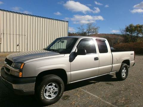 2004 Chevrolet Silverado 1500 for sale at Leavitt Brothers Auto in Hooksett NH