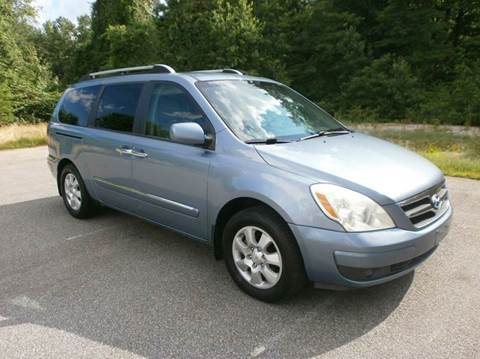 2007 Hyundai Entourage for sale at Leavitt Brothers Auto in Hooksett NH