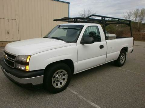 2007 Chevrolet Silverado 1500 Classic for sale at Leavitt Brothers Auto in Hooksett NH