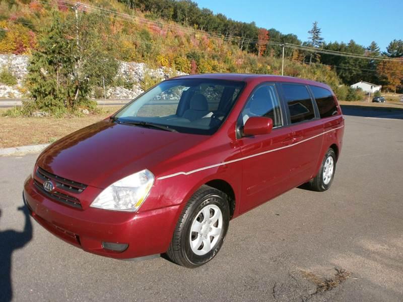 2006 Kia Sedona for sale at Leavitt Brothers Auto in Hooksett NH