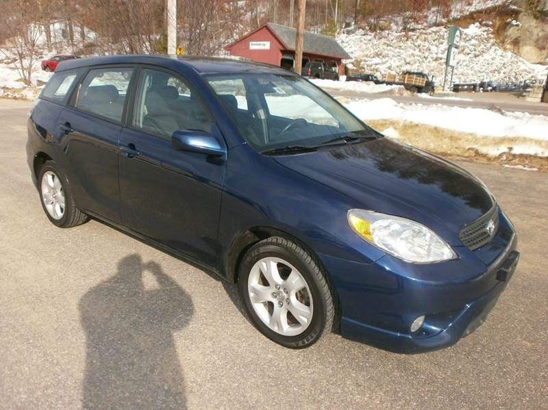 2007 Toyota Matrix for sale at Leavitt Brothers Auto in Hooksett NH