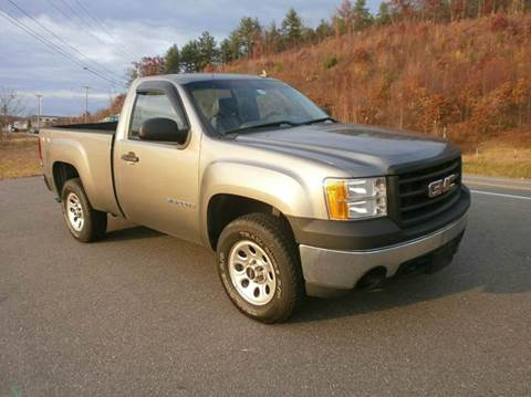 2007 GMC Sierra 1500 for sale at Leavitt Brothers Auto in Hooksett NH