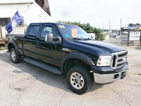 2006 Ford F-250 Super Duty for sale at Leavitt Brothers Auto in Hooksett NH