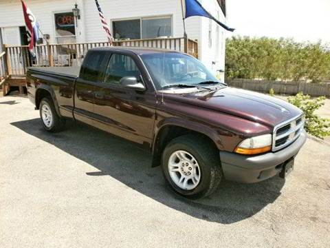 2004 Dodge Dakota for sale at Leavitt Brothers Auto in Hooksett NH