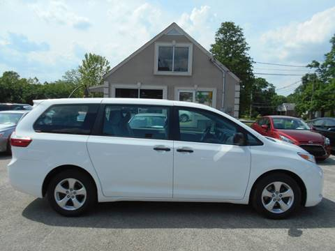 2017 Toyota Sienna for sale in Crestwood, KY