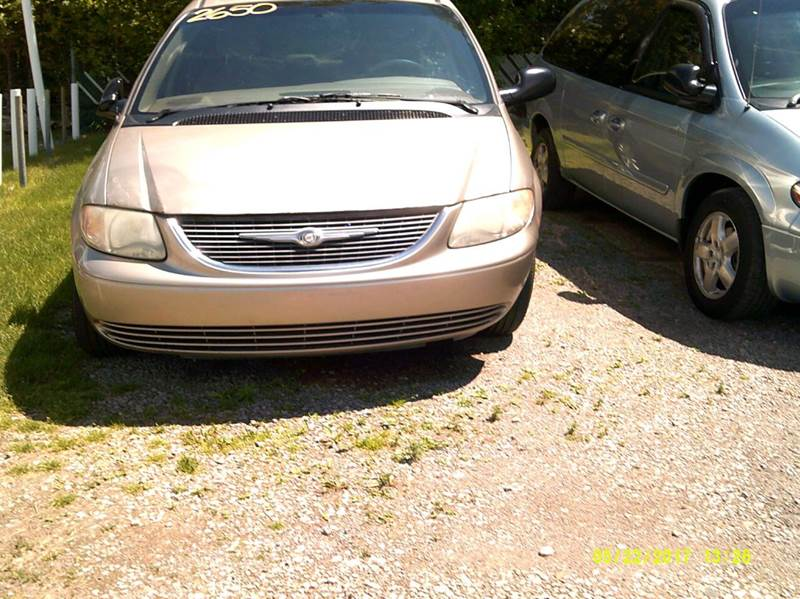 2002 Chrysler Town & Country car for sale in Detroit