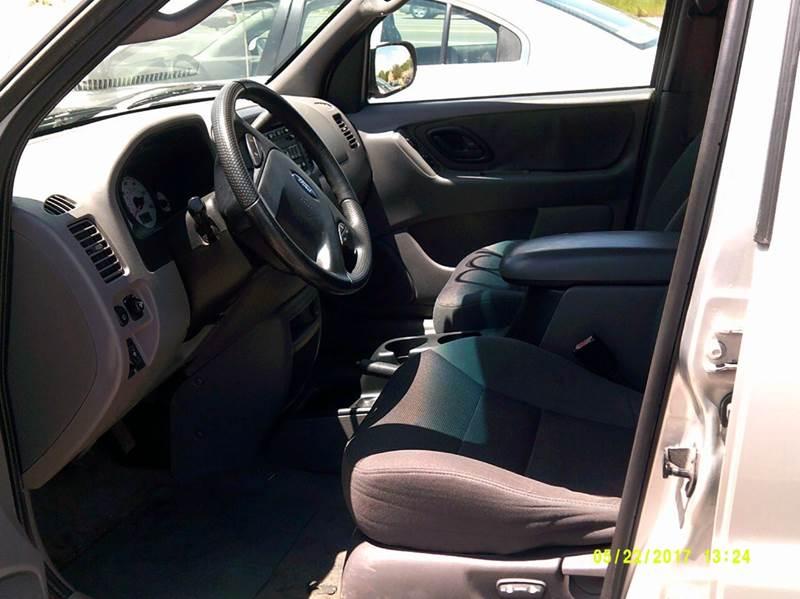 2002 Ford Escape XLT Choice 2WD 4dr SUV - Detroit MI