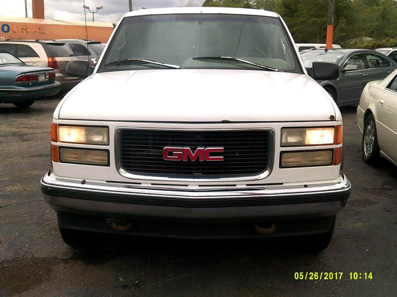 1996 Gmc Suburban car for sale in Detroit