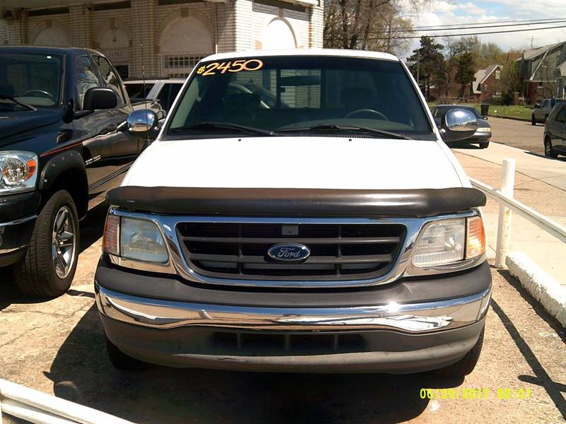 2002 Ford F-150 car for sale in Detroit