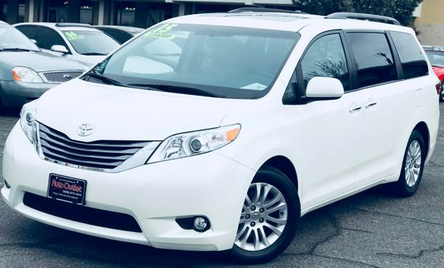 your choice camry premium extreme toyota all review an xle minivan sienna drive preview in wheel best