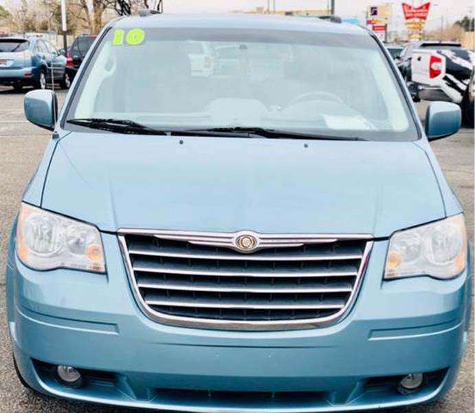 2010 chrysler town and country oil change light