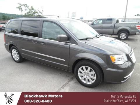 2016 Chrysler Town and Country for sale in Praire Du Chien, WI