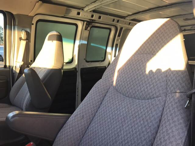 2004 Chevrolet Express Cargo 1500 3dr Van - Doraville GA