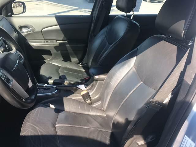 2013 Chrysler 200 Limited 4dr Sedan - Doraville GA