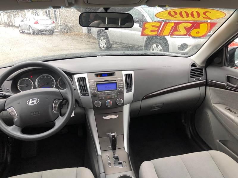 2009 Hyundai Sonata GLS 4dr Sedan 5A - Mishawaka IN