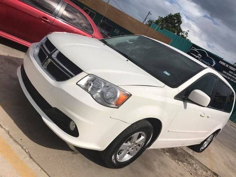 2011 Dodge Grand Caravan Crew 4dr Mini-Van - San Antonio TX