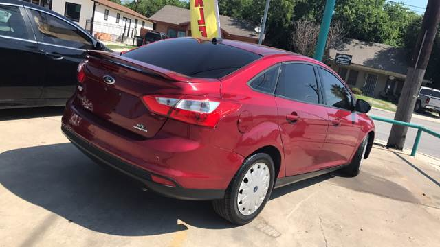 2013 Ford Focus SE 4dr Sedan - San Antonio TX