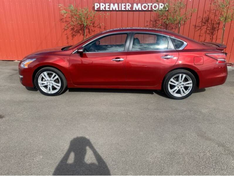 2014 Nissan Altima for sale at Premier Motors in Milton Freewater OR