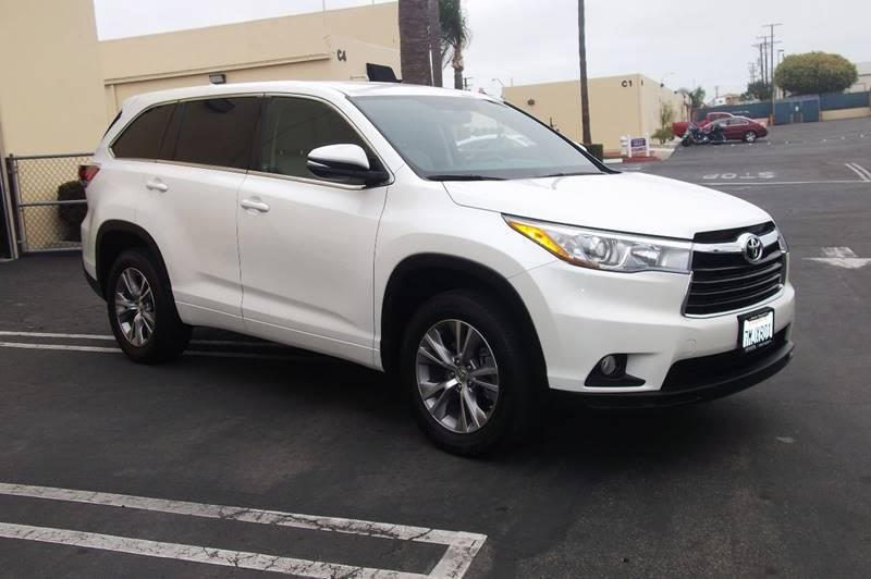 2015 Toyota Highlander for sale at MANGIONE MOTORS ORANGE COUNTY in Costa Mesa CA